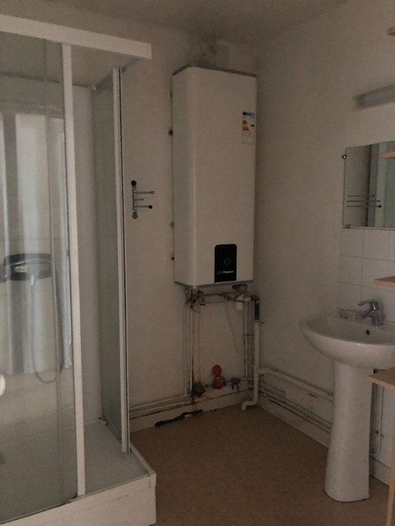 Appartement à louer 3 71.75m2 à Limoges vignette-5
