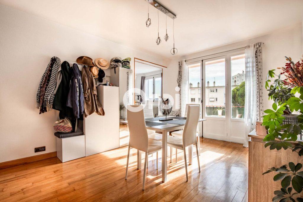 Appartement à vendre 4 62.12m2 à Limoges vignette-2