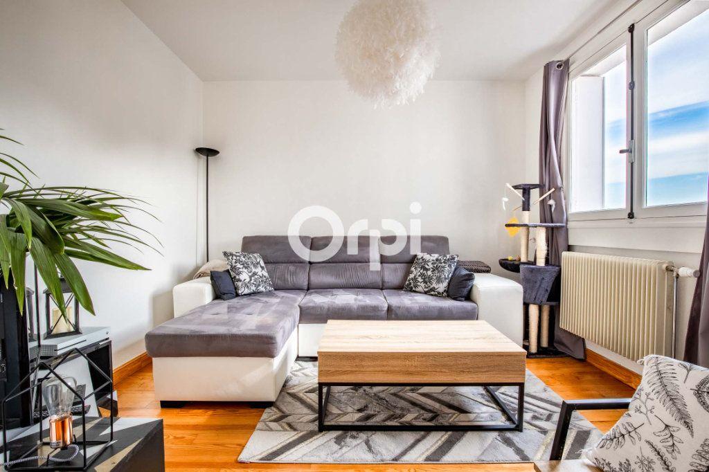 Appartement à vendre 4 62.12m2 à Limoges vignette-3