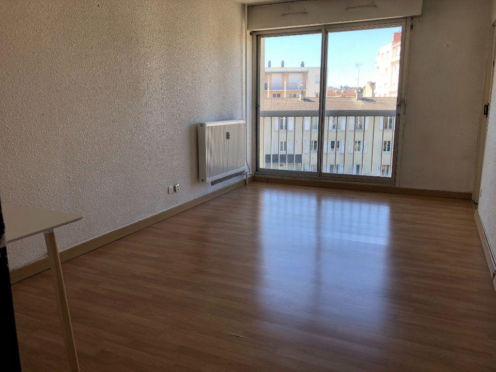 Appartement à louer 1 26.93m2 à Limoges vignette-1