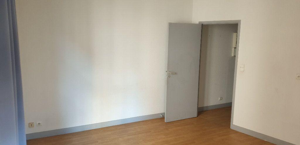 Appartement à louer 1 21.83m2 à Limoges vignette-2