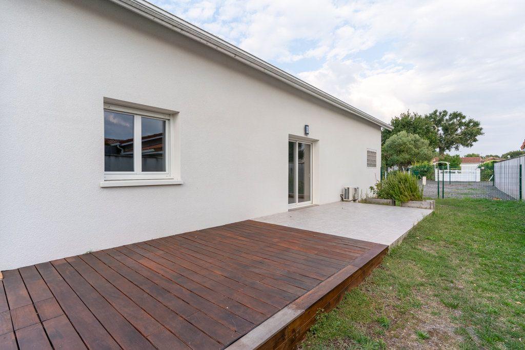 Maison à vendre 4 125m2 à Biscarrosse vignette-1
