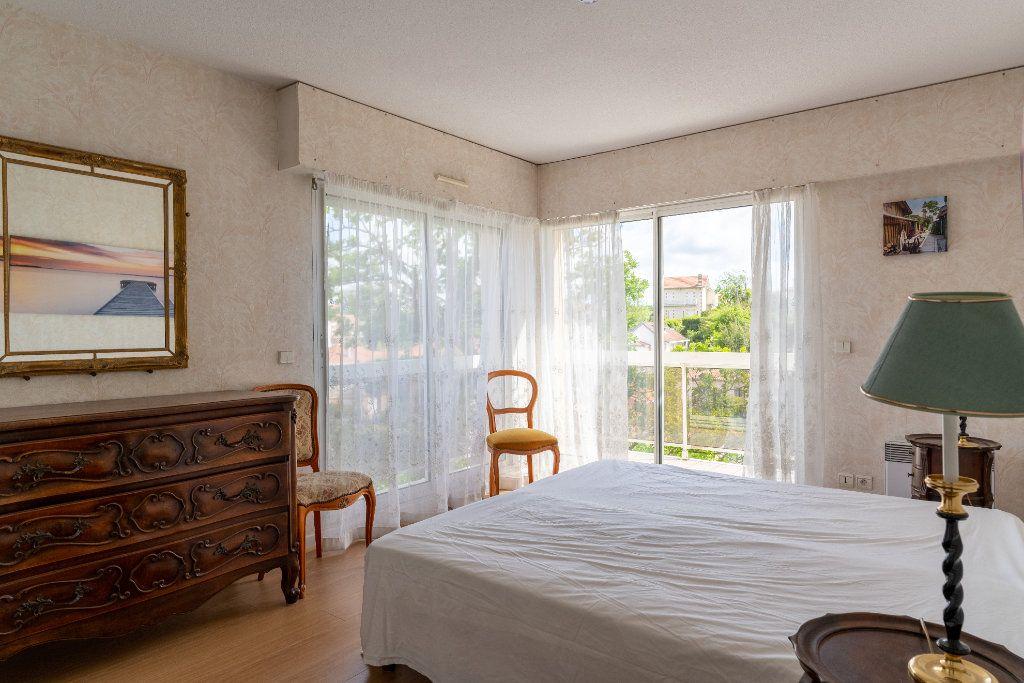 Appartement à vendre 4 113m2 à Arcachon vignette-5