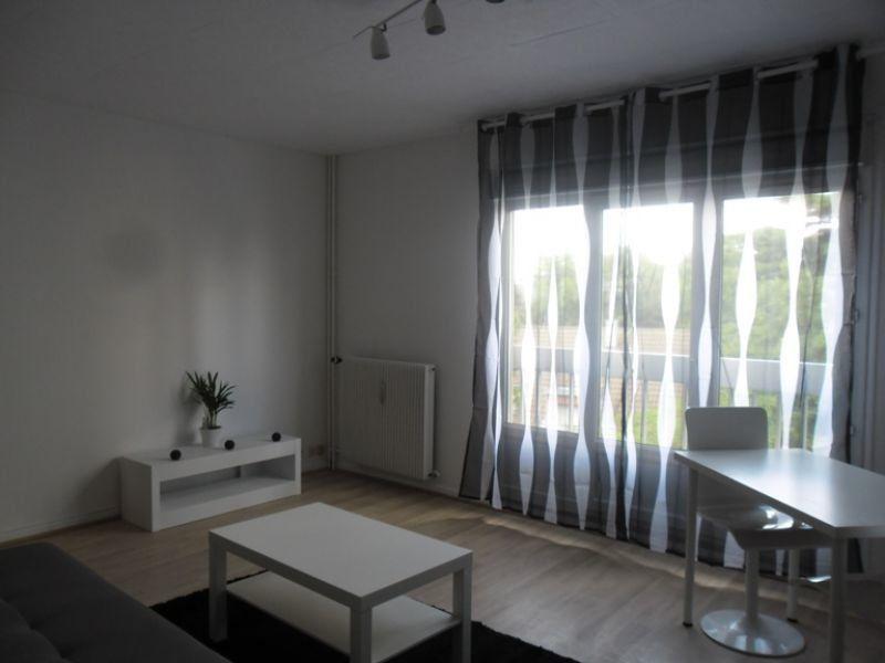Appartement à louer 1 31m2 à Reims vignette-2