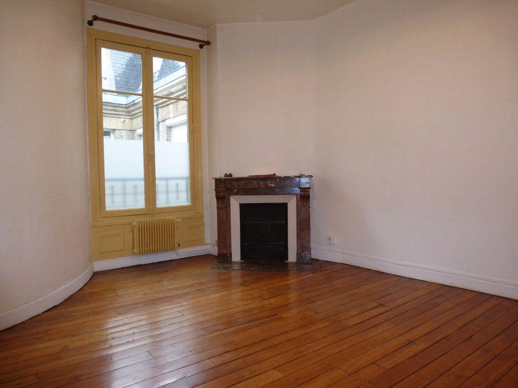 Appartement à louer 2 47m2 à Reims vignette-2