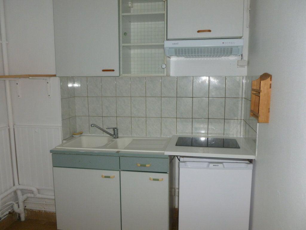 Appartement à louer 2 47m2 à Reims vignette-3