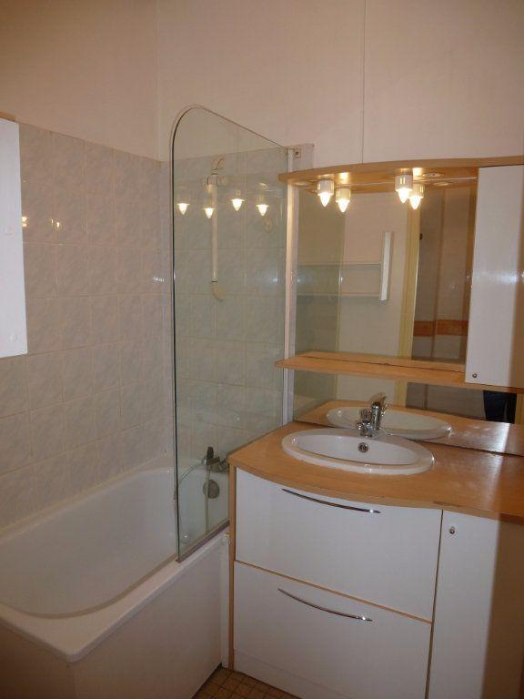 Appartement à louer 2 47m2 à Reims vignette-4