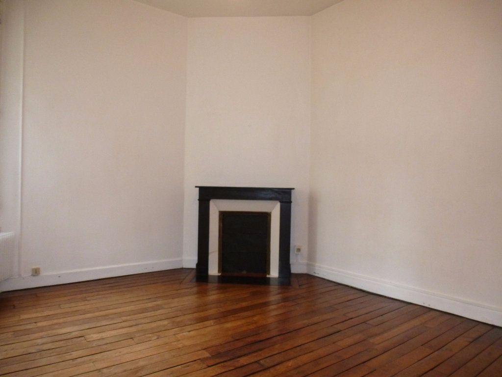 Appartement à louer 2 47m2 à Reims vignette-7