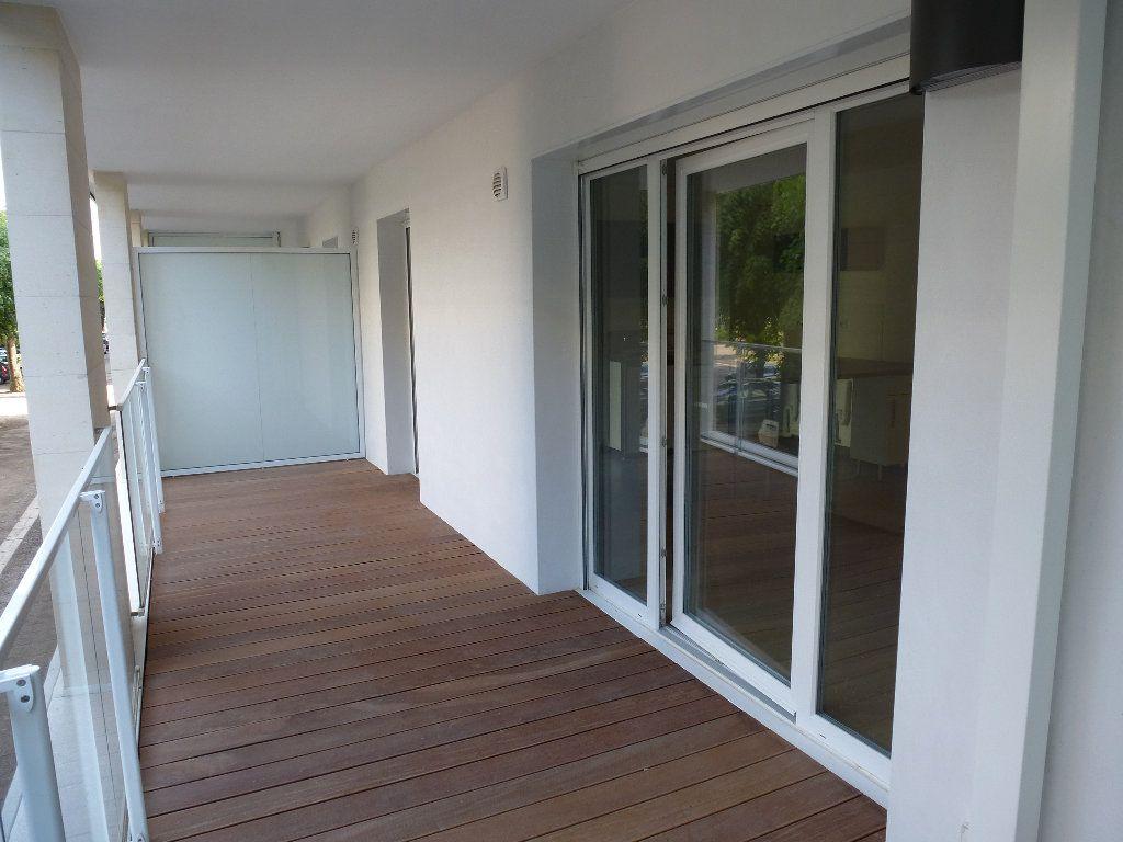 Appartement à louer 2 50.3m2 à Reims vignette-6