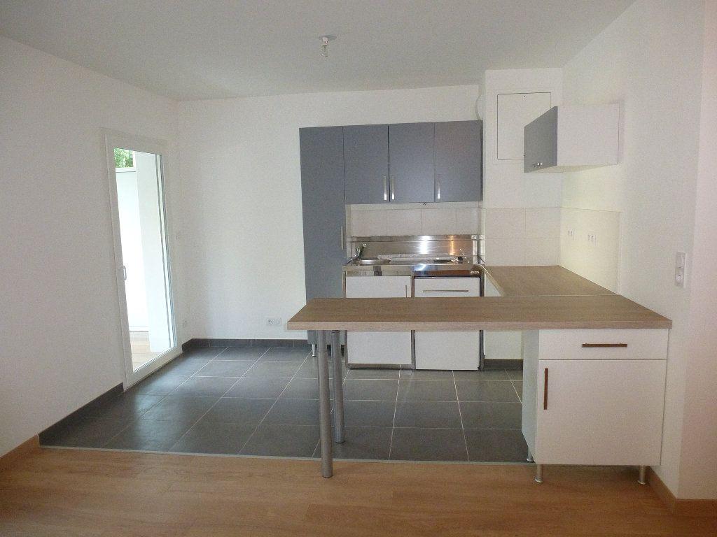 Appartement à louer 2 50.3m2 à Reims vignette-8