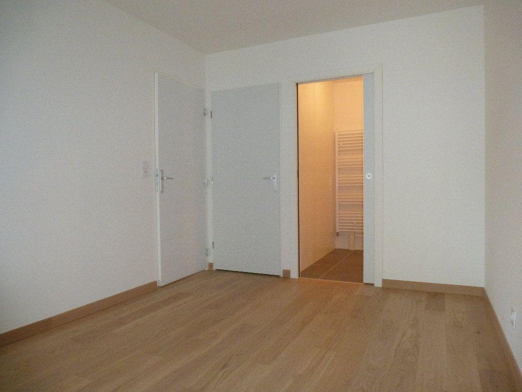 Appartement à louer 2 50.3m2 à Reims vignette-9