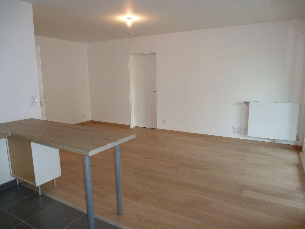 Appartement à louer 2 50.3m2 à Reims vignette-13