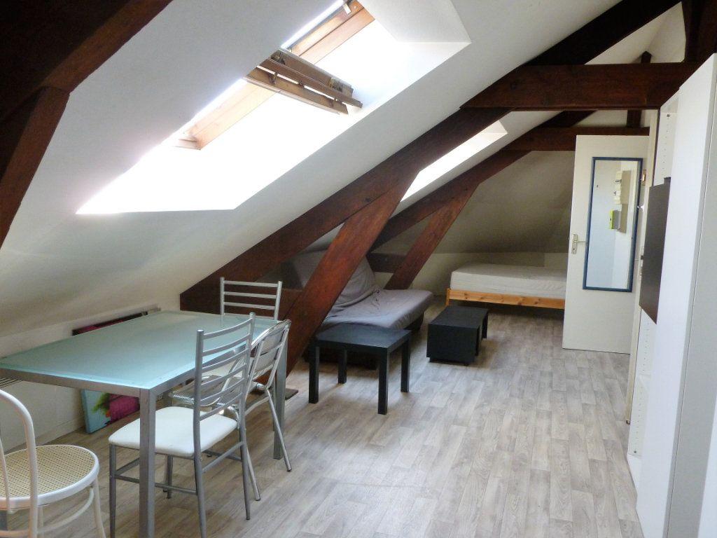 Appartement à louer 1 35m2 à Reims vignette-2