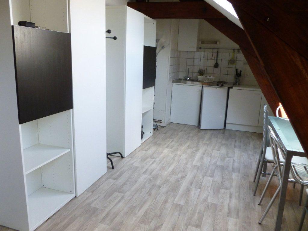 Appartement à louer 1 35m2 à Reims vignette-8