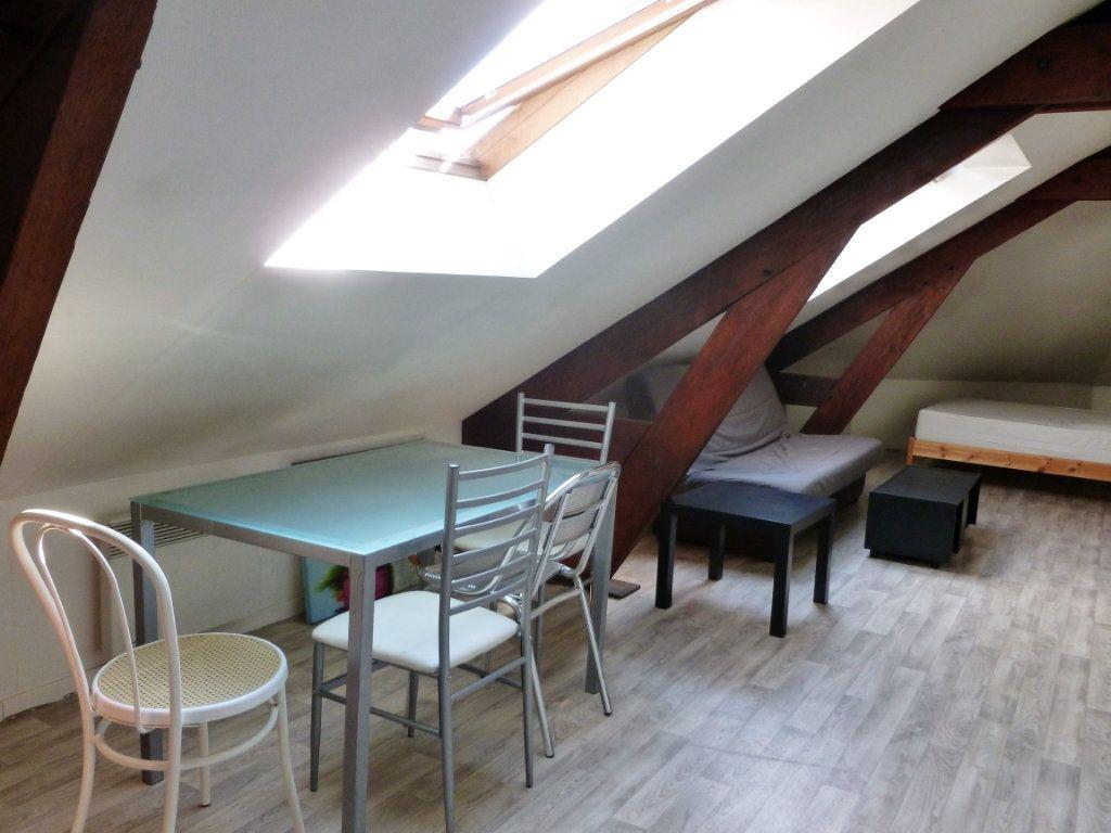 Appartement à louer 1 35m2 à Reims vignette-10