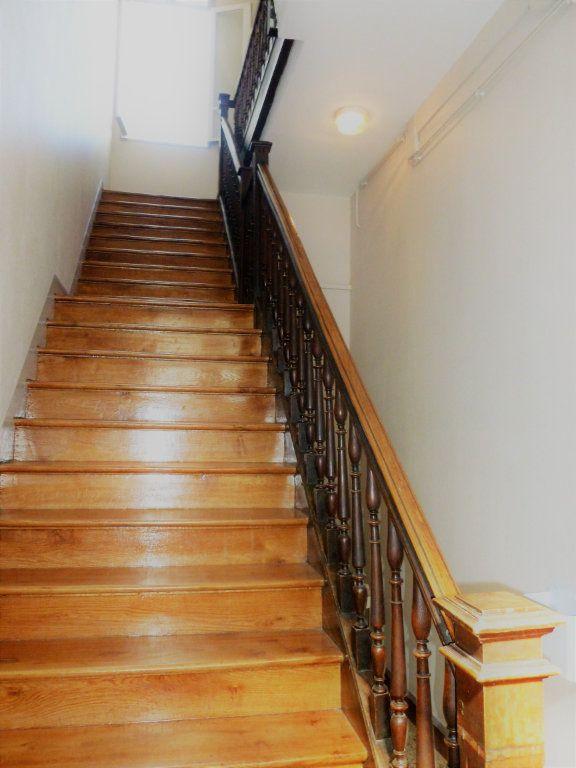 Appartement à louer 1 35m2 à Reims vignette-17