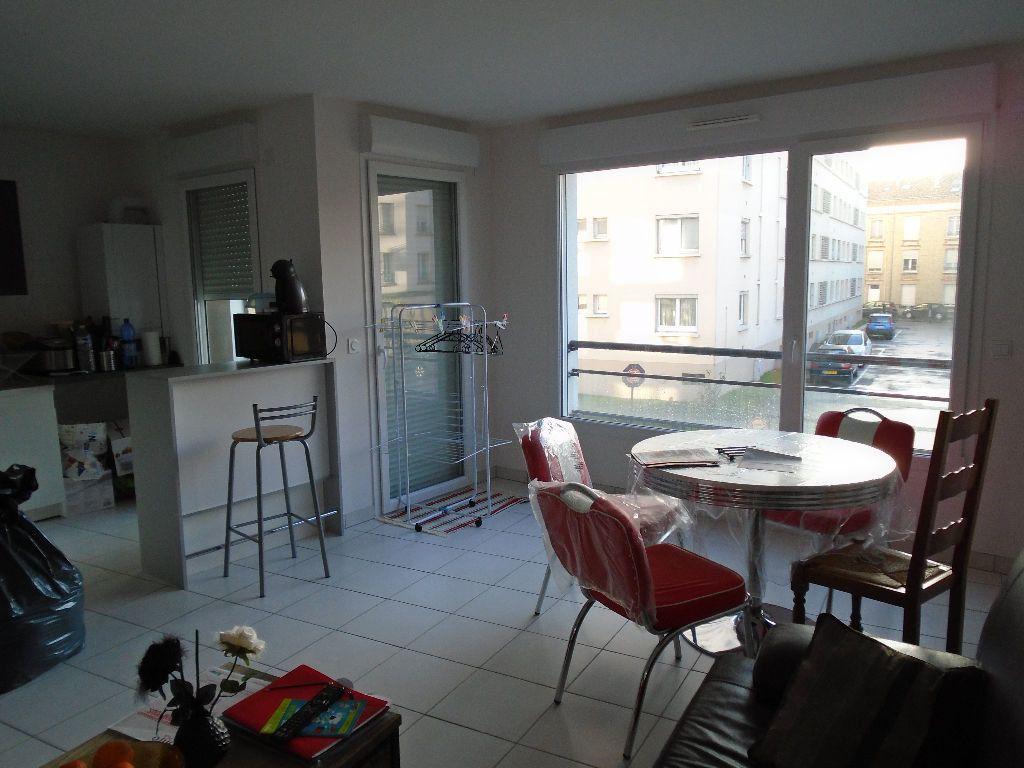Appartement à louer 2 51.8m2 à Reims vignette-5