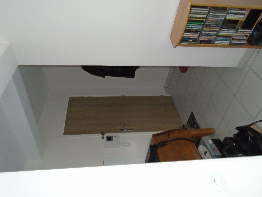 Appartement à louer 2 51.8m2 à Reims vignette-9