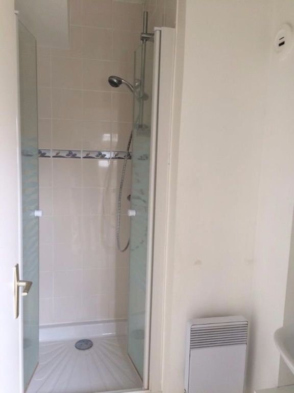 Appartement à louer 1 16m2 à Reims vignette-4