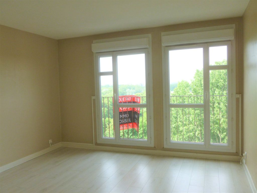 Appartement à louer 2 41.91m2 à Reims vignette-3
