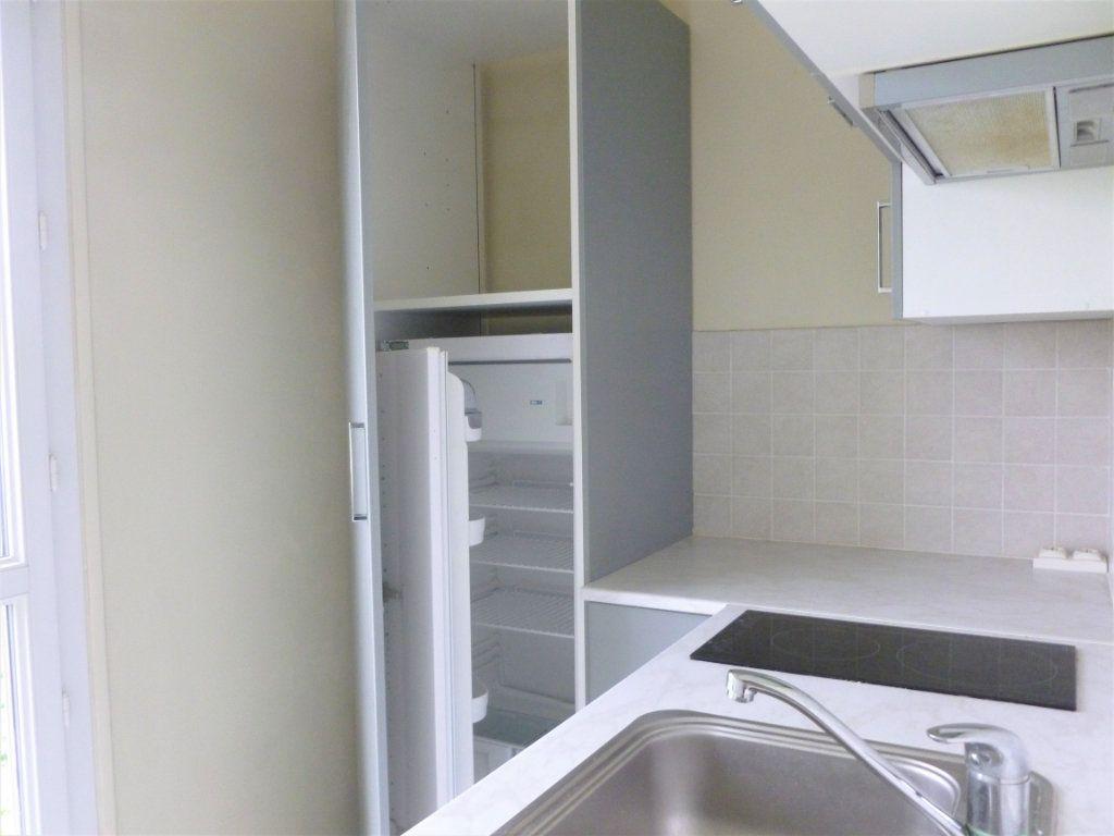 Appartement à louer 2 41.91m2 à Reims vignette-7