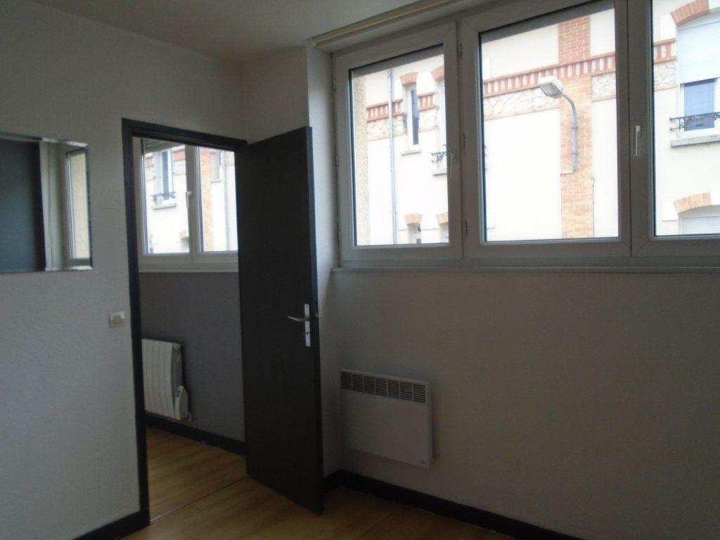 Appartement à louer 2 27.5m2 à Reims vignette-2