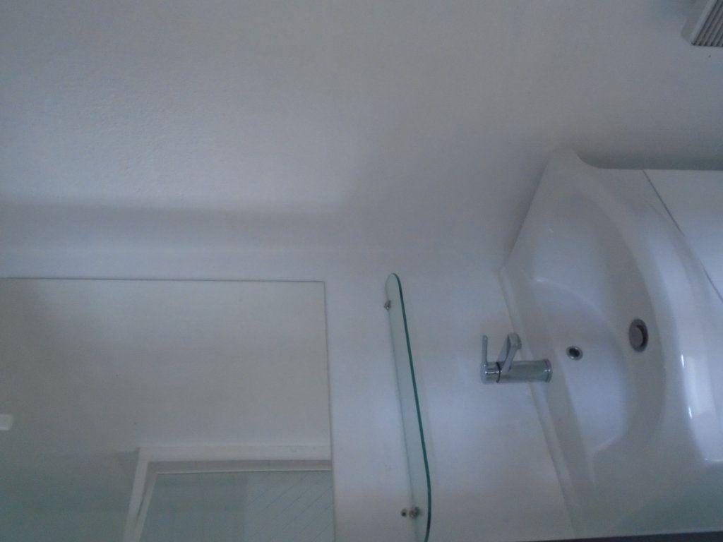 Appartement à louer 2 27.5m2 à Reims vignette-5