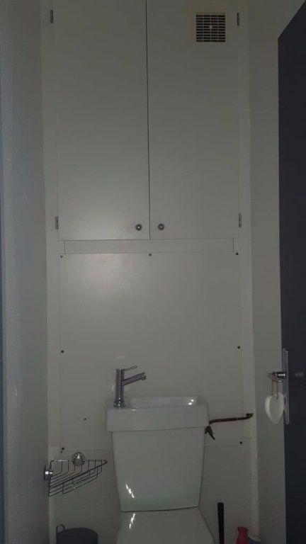Appartement à louer 2 27.5m2 à Reims vignette-8