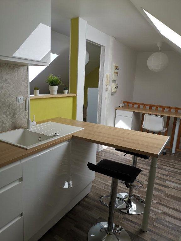 Appartement à louer 1 37.1m2 à Reims vignette-3