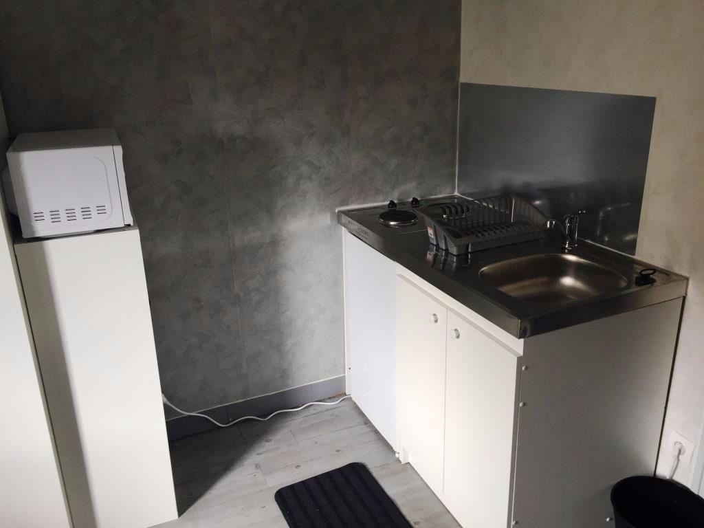 Appartement à louer 1 11m2 à Reims vignette-4