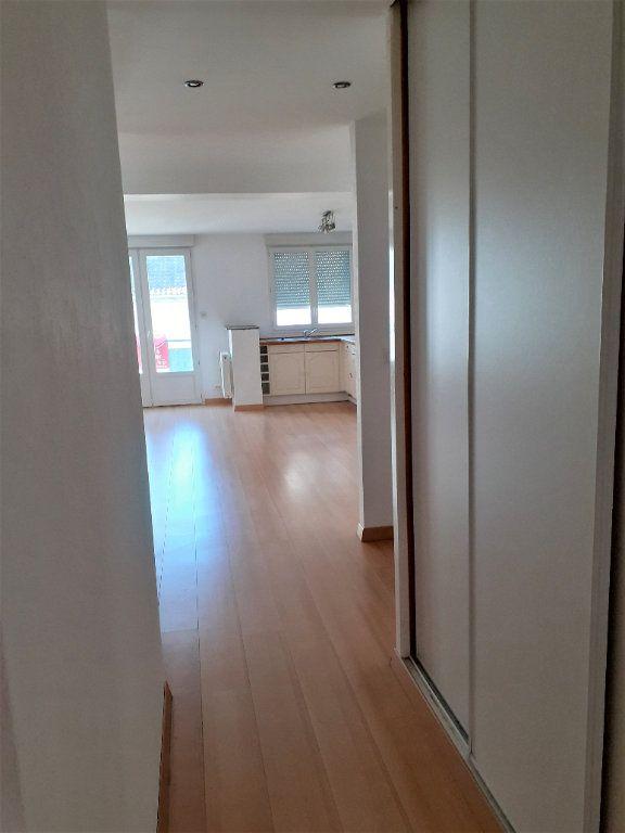 Appartement à louer 3 73m2 à Reims vignette-4