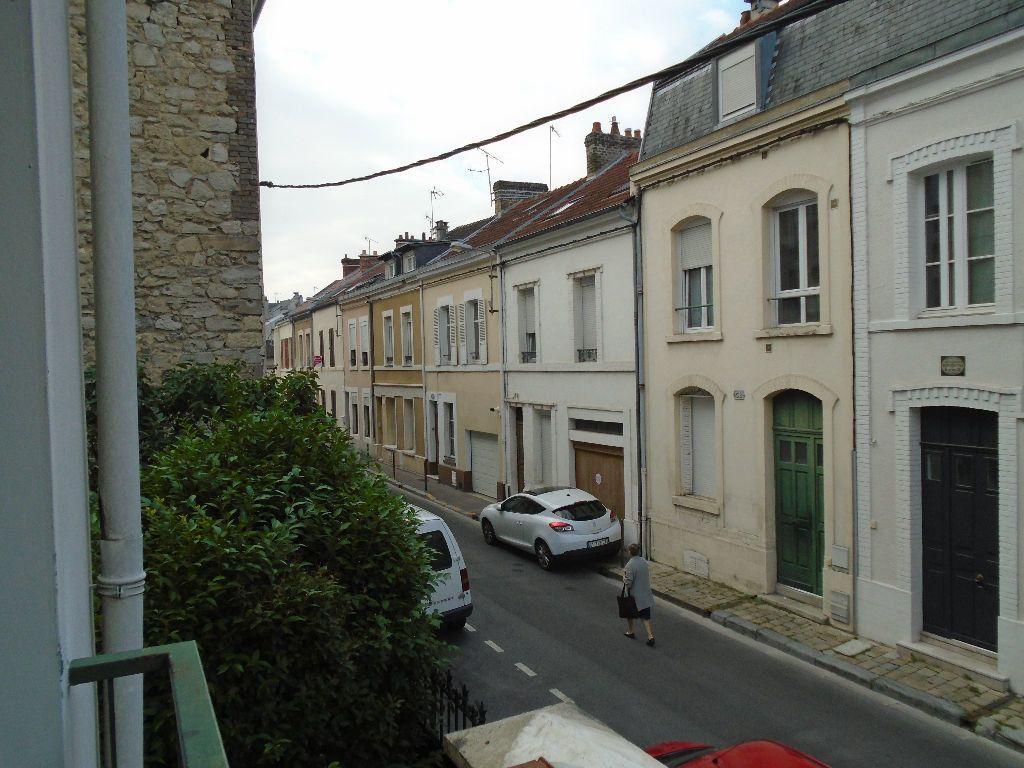 Appartement à louer 3 73m2 à Reims vignette-10