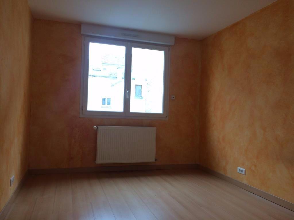 Appartement à louer 3 73m2 à Reims vignette-13