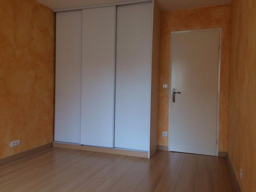 Appartement à louer 3 73m2 à Reims vignette-14