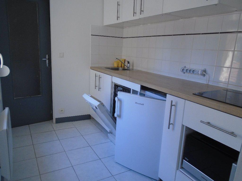 Appartement à louer 2 40.83m2 à Reims vignette-6