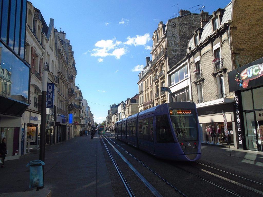 Appartement à louer 1 15m2 à Reims vignette-1