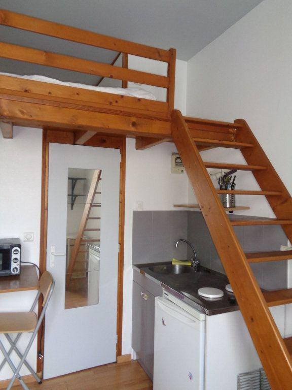 Appartement à louer 1 15m2 à Reims vignette-3