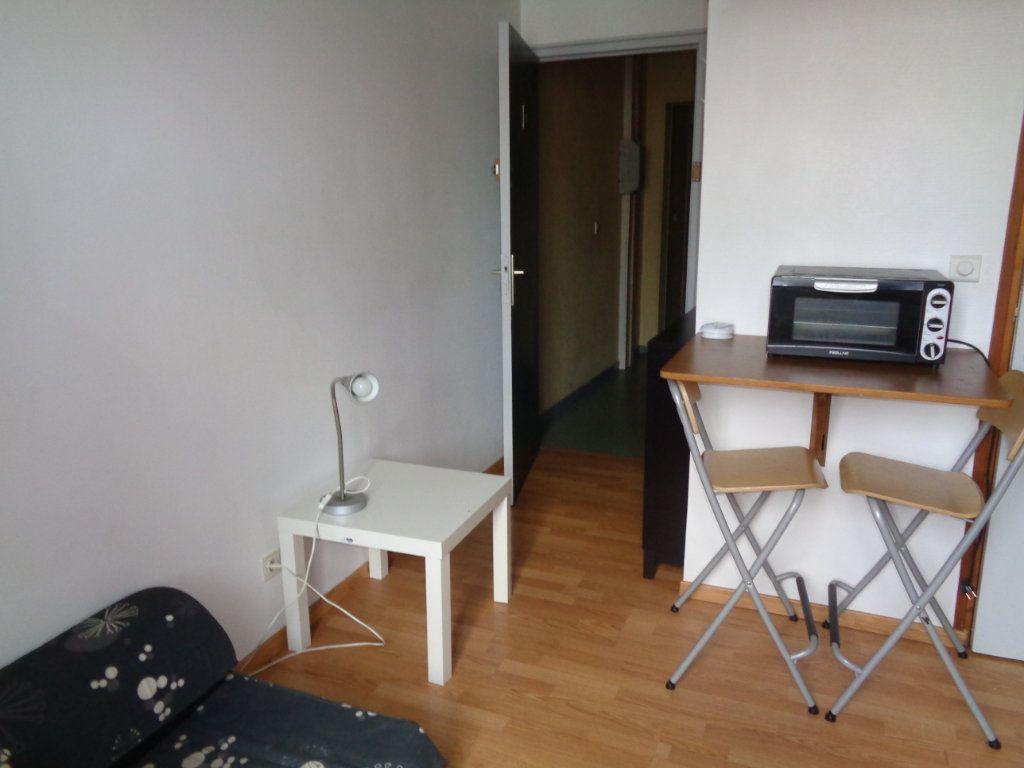 Appartement à louer 1 15m2 à Reims vignette-4