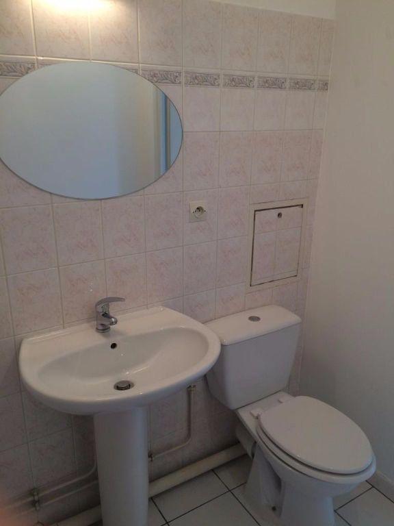 Appartement à louer 1 27m2 à Reims vignette-8