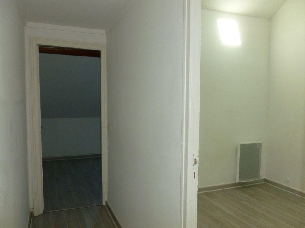 Appartement à louer 3 46.28m2 à Reims vignette-6