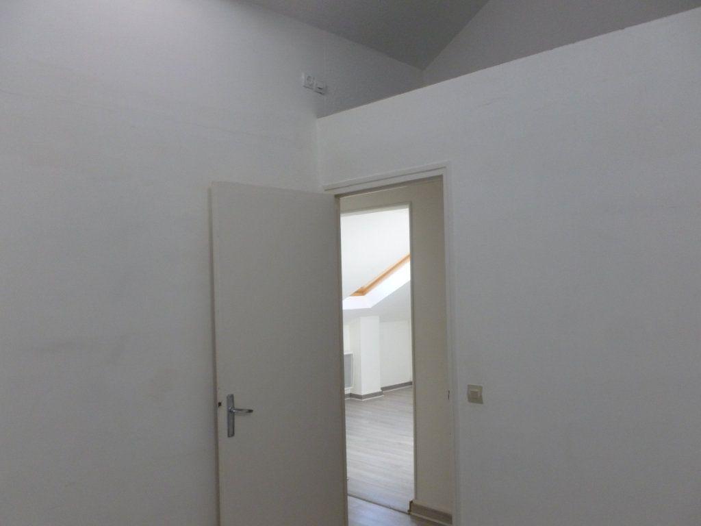 Appartement à louer 3 46.28m2 à Reims vignette-10