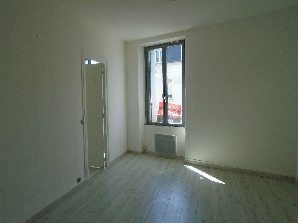 Appartement à louer 2 46m2 à Reims vignette-3