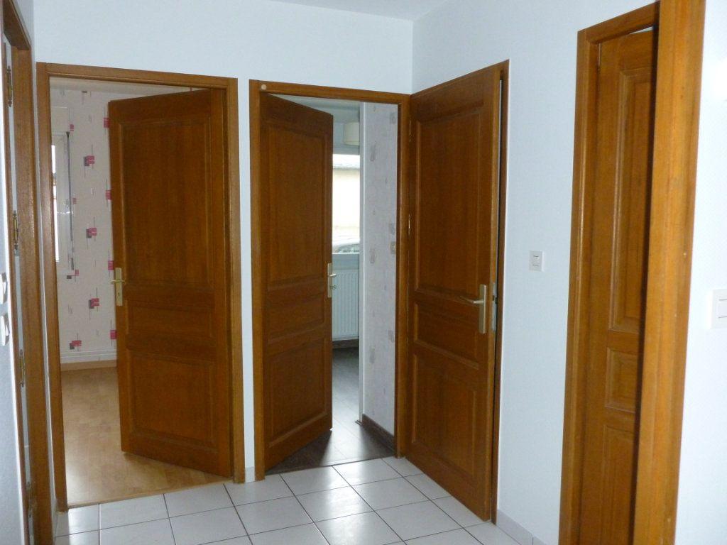Appartement à louer 3 58m2 à Reims vignette-3