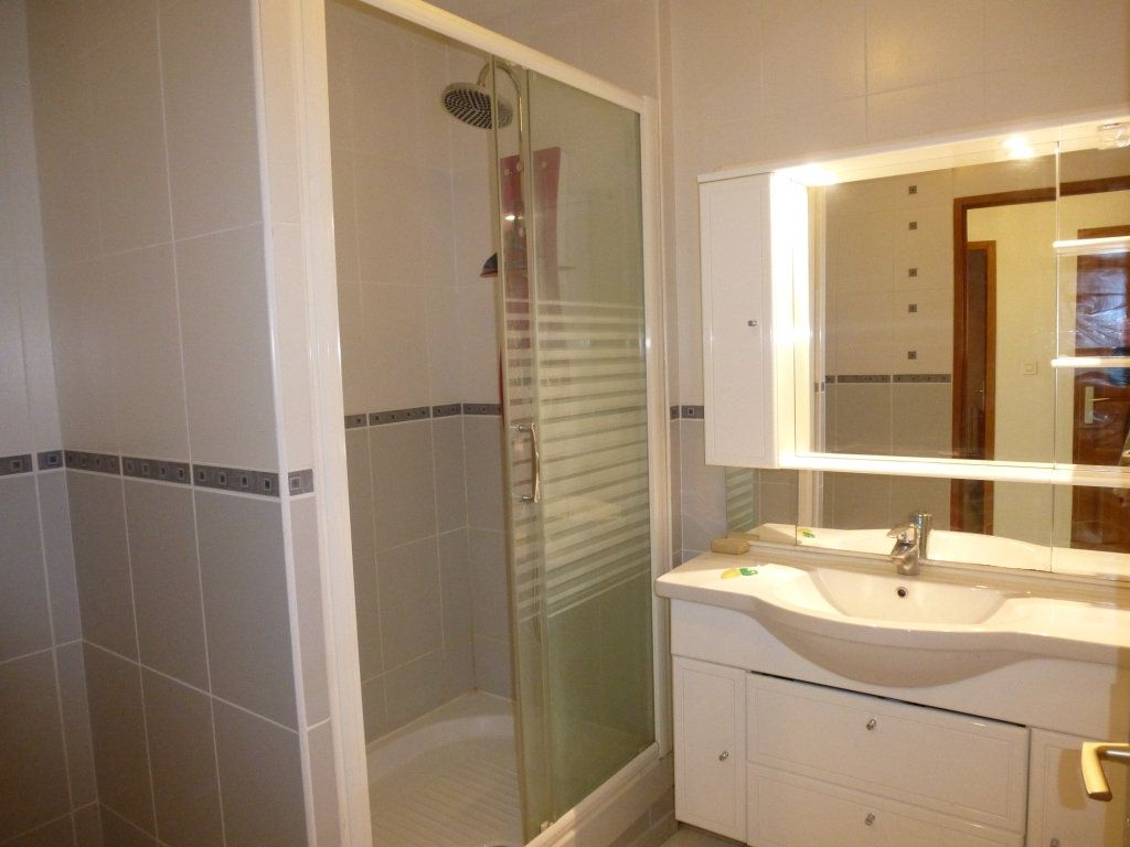 Appartement à louer 3 58m2 à Reims vignette-4
