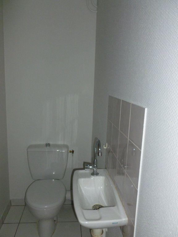 Appartement à louer 3 58m2 à Reims vignette-9