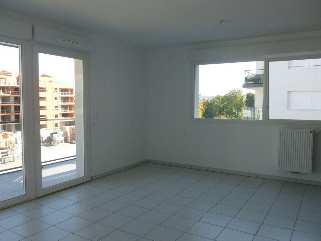 Appartement à louer 3 68.6m2 à Reims vignette-5
