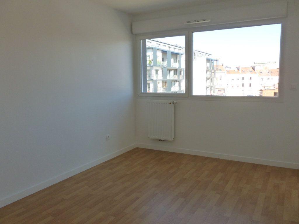 Appartement à louer 3 68.6m2 à Reims vignette-8