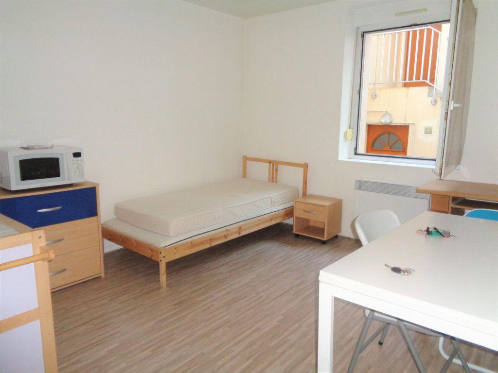 Appartement à louer 1 25m2 à Reims vignette-5