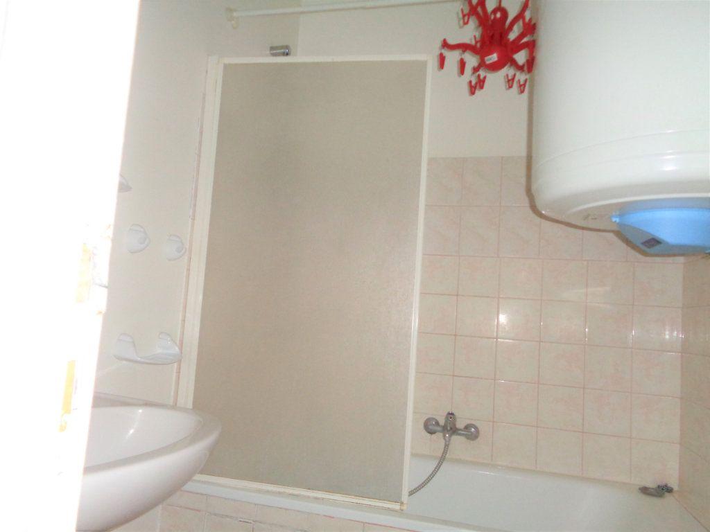 Appartement à louer 1 25m2 à Reims vignette-7