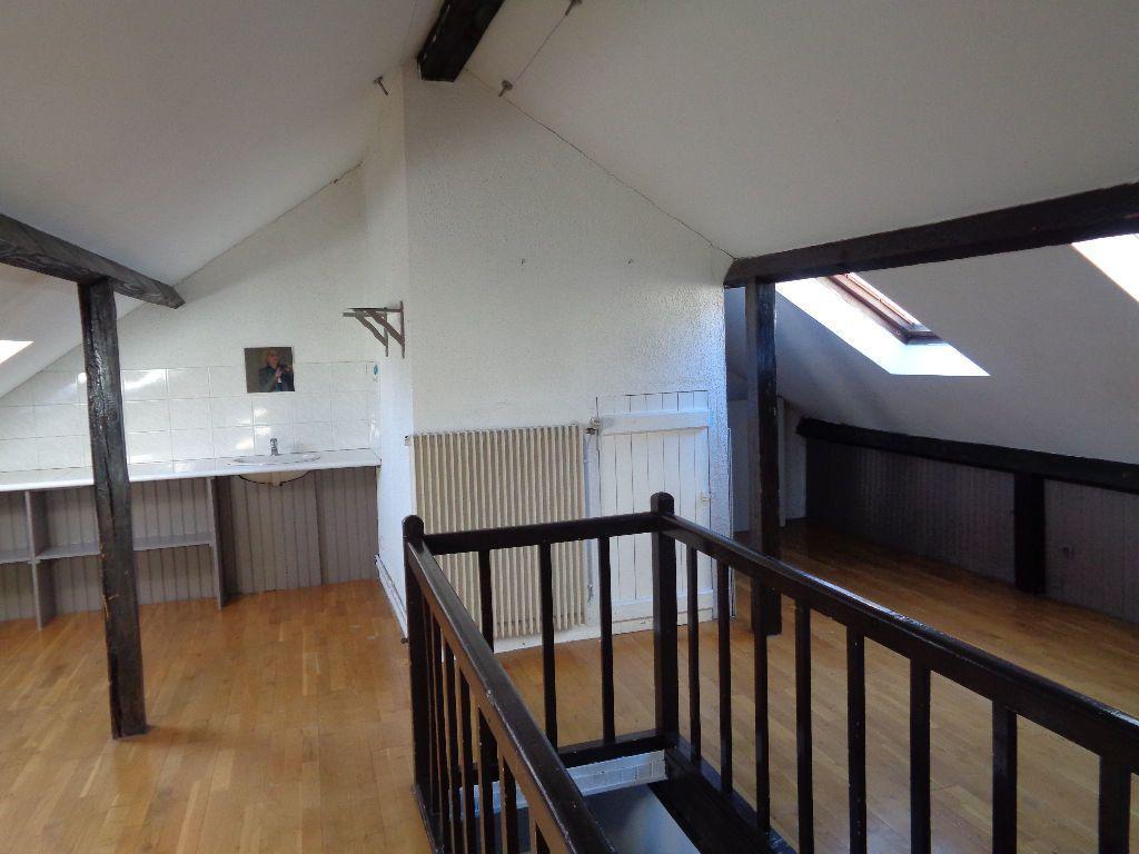 Appartement à louer 3 68m2 à Reims vignette-2